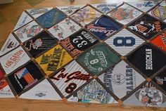The Life and Times of VK and the Hodgpeople: Last T-shirt Quilt? Sewing Crafts, Sewing Projects, Diy Projects, Sewing Ideas, Crochet Clothes, Diy Clothes, Baseball Quilt, Baseball Mom, Jersey Quilt