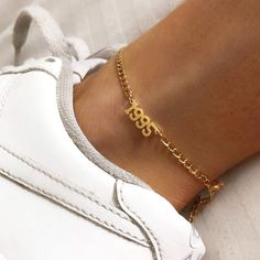 Star Necklace Gold/ Gold Lucky Star Charm Gold Star/ Dainty Gold Necklace/ Graduation Gift/ Gold Star jewelry/ Recycled Gold She's the light of your life. Ankle Jewelry, Dainty Jewelry, Cute Jewelry, Jewelry Accessories, Fashion Accessories, Jewelry Necklaces, Jewelry Box, Gold Jewelry, Jewlery
