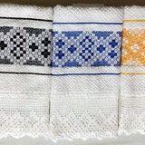 Conjunto de 7 panos de prato / copa Tucano no Elo7   Bêa Criações (9FE476) Towel, Quilts, Blanket, Dish Towels, Kitchen Towels, Hand Towels, Crochet Fish, Rectangular Rugs, Table Toppers