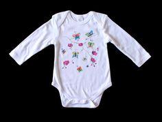 """Body """"Mariposas y orquideas"""". Descubre más bodys en nuestra página web: http://www.lolitalunakids.com/es/list/category/mi_primera_categoria"""