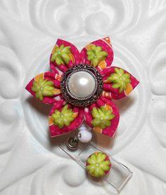 Retractable Flower ID Badge Holder