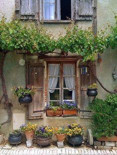 Dünya Kaçtı Gözüme......: Aquitaine