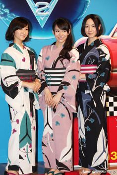 Perfume, a J-pop band, is pictured here being all pretty like. xD