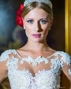 Poème Nova Noiva 2016 Fotografia Danilo Máximo Moraes #estilistagiosantos #novanoiva #eusounovanoiva #noivasreais #vestidodenoiva #bridaldress #casamento #engaged #topbride #bridal #noiva #weddingdress #modanoiva #blogger #Wedding #bride #coleçaopoème #lançamento #2016