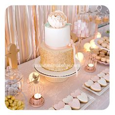 nişan tatlı masası Engagement Party Cupcakes, Engagement Party Decorations, Engagement Cakes, Pink Gold Cake, Pink And Gold, Sweet 16, Dessert Table Backdrop, Dessert Tables, Party Organization