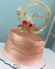 Birthday Cake Roses, 21st Birthday Cakes, Beautiful Birthday Cakes, 31st Birthday, Gold Birthday, Beautiful Cakes, Gateaux Cake, Gold Cake, Birthday Cake Decorating