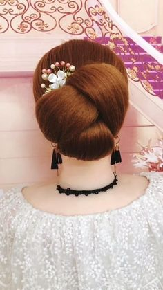 Bun Hairstyles For Long Hair, Headband Hairstyles, Girl Hairstyles, Braided Hairstyles, Wedding Hairstyles, Chignon Hairstyle, Beautiful Hairstyles, Quick Hairstyles, Party Hairstyles