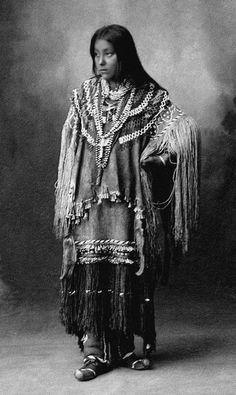 Hattie Tom, beautiful Chiricahua Apache girl. 1898.