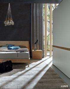 Hulsta ledikant Lunis, en multi-formadraaideur kast design F, wit Kleur: laque,structuurbeuken,dealer theo bot,