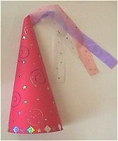 Chapeau de fée à réaliser pour Carnaval Crafts For Girls, Diy For Kids, Diy And Crafts, Vbs Themes, Party Themes, Crepe Paper, Projects For Kids, Mardi Gras, First Birthdays
