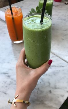 Healthy meals, juices, and smoothies at True Food Kitchen Houston. Read about this restaurant and other great spots in Houston. Houston Restaurants, True Food, Healthy Recipes, Healthy Meals, Smoothies, Brunch, Fresh, Dinner, Juices