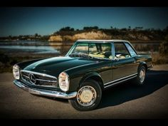 A Mercedes-Benz 280 SL Pagoda was completely restored by Mercedes-Benz Classic Center USA in dark olive finish. Mercedes Benz, Car Photos, Car Pictures, My Dream Car, Dream Cars, Photo Background Images Hd, Classic Mercedes, Benz S, Car Videos