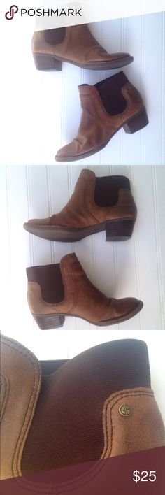 """Giani Bernini Palma brown leather ankle bootie Fall seems like a long way off, but by the time it comes, you'll wish you had these simple and chic ankle booties! Genuine brown leather upper and stacked heel with elastic inset for easy, comfortable wear. Cushioned insole is ready for walks in the leaves! Size 7--fit more like an 8! 9 3/4"""" interior footbed. 3 1/2"""" wide at widest on bottom sole. Heel height: 1.5"""". Shaft height: 5 1/4"""". Flawless EUC beyond light wear to soles (see pics for…"""
