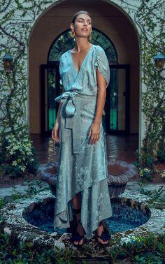 Look Fashion, Womens Fashion, Fashion Design, Fashion Tips, Fashion Trends, Fashion Hacks, Ladies Fashion, Diy Fashion, Indian Fashion