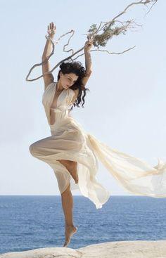 oh my goddess! (by Maria Alexea) Dance Photography, Fashion Photography, Dance Poses, Jolie Photo, Dance Pictures, Dance Art, Just Dance, Ideias Fashion, Bikini