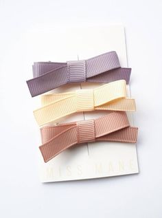 Miss Mane ribbon clips are comfortable, stylish and practical! Lead + Nickel Free Clips. We only use the finest materials.  Perfect for sweeping that fringe out of the way or taming wispy hair on the front, back and sides :)  Our ribbon clips come complete with our unique no slip grip - Excellent for fine hair.  Easily Slide on with one hand.  Comes on display card perfect for gifting. Toddler Hair Bows, Baby Hair Bows, Wispy Hair, Fine Hair, Mauve, Free Design, Hair Clips, Ribbon, Display