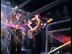 """Stevie Ray Vaughan Plays """"Texas Flood,"""" Gets Booed at 1982 Montreux Jazz Fest 