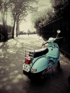 Vespa, Paris. A must-do on my bucket list