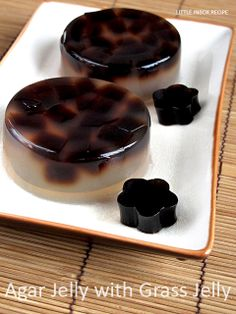 Little Inbox Recipe ~Eating Pleasure~: Agar Jelly with Grass Jelly Jelly Desserts, Asian Desserts, Party Desserts, Asian Snacks, Asian Recipes, Vaporwave, 3 Milk Cake, Agar Agar Jelly, Grass Jelly