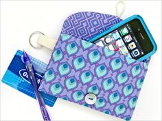 Fabric Wallets | Sew4Home