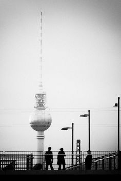 Berlin, Blick von der Warschauer Brücke auf den Fernsehturm.