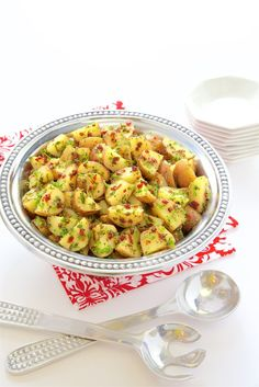 This Lemon Rosemary and Sundried Tomato Potato Salad comes together quickly, is addictively delicious and perfect for picnics, parties and potlucks