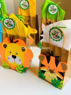 Safari Party, Safari Theme, First Birthday Parties, First Birthdays, 2nd Birthday, Jungle Theme Birthday, Jungle Theme Cakes, Kraft Bag, Ideas Para Fiestas