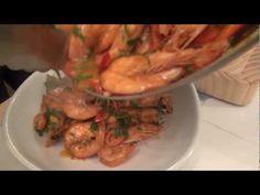 (279) Maślane Krewetki z czosnkiem i chilli - YouTube Chilli, Shrimp, Make It Yourself, Facebook, Chicken, Youtube, Food, Essen, Meals
