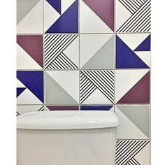 Lurca Azulejos | Azulejos - Laje Azul Royal, Tarde, Raiz Cinza e Raiz Vinho | Laje Royal Blue, Tarde, Raiz Gray and Raiz Burgundy   // Shop Online www.lurca.com.br/ #banheiro #lavabo #bathroom #restroom #lurca #lurca_azulejos #azulejos #azulejosdecorados #revestimentos #arquitetura #interiores #decor #design #reforma #decoracao #geometria #casa #ceramica #architecture #decoration #decorate #style #home #homedecor #tiles #ceramictiles #homemade #madeinbrazil #brasil #brazil #design #brasil