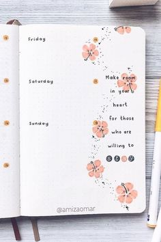 Chaning up your bullet journal one last time for summer? Check out the best August weekly spread ideas to give your bujo some warm weather personality! Bullet Journal Lists, Bullet Journal Weekly Layout, Bullet Journal For Beginners, Creating A Bullet Journal, Bullet Journal Cover Ideas, Bullet Journal Lettering Ideas, Bullet Journal Notebook, Bullet Journal Aesthetic, Bullet Journal Ideas Pages