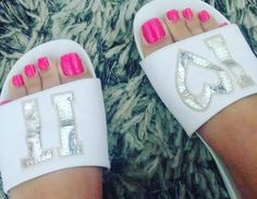 Not the sexiest shoes but those toes are absolutely amazing! White Toes, Pink Toes, Pretty Hands, Pretty Toes, Cute Toe Nails, Nice Nails, Feet Nails, Toenails, Beautiful Toes