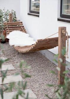 Raised terrace from Bangkirai with wooden staircase and external staircase - Diy Garden Decor İdeas Backyard Hammock, Backyard Landscaping, Hammock Ideas, Hammocks, Outdoor Hammock, Wooden Hammock, Diy Hammock, Landscaping Ideas, Hammock Posts