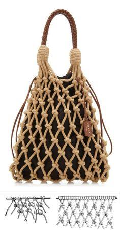Diy Bag Designs, Macrame Purse, Diy Bags Purses, Diy Tote Bag, Crochet Motifs, Macrame Design, Macrame Patterns, Knitting Accessories, Knitted Bags