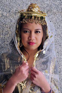 Lady in Singkil dress  http://philippinefestivalutah.com
