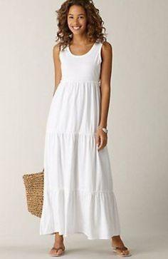 White tiered maxi dress - perfect for summer. White Dress Outfit, Summer Dress Outfits, Summer Dresses For Women, Linen Dress Pattern, Sundress Pattern, Tall Dresses, Casual Dresses, Fashion Dresses, Modele Hijab