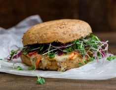 13 Hummus Sandwiches Thatll Solve All Your Lunch Problems Groovy Bagel Melts