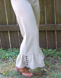 Love these ruffles from The Cherry Tree If you like Matilda Jane Big Ruffle pants, take a look at ours. Colors: Navy, Heathered Gray, Black, and Natural Flax. Sewing Clothes, Custom Clothes, Diy Clothes, Teacher Clothes, Pretty Outfits, Cute Outfits, Stylish Outfits, Ruffle Pants, Hem Pants