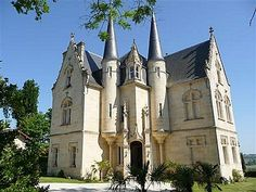 French chateau with stunning and far-reaching views over neighbouring vines and the the Gironde estuary
