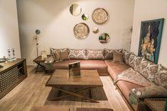 Corner Sofa Design, Living Room Sofa Design, Living Room Color Schemes, Room Design Bedroom, Living Room Designs, Classy Living Room, Moroccan Home Decor, Floor Seating, Luxury Sofa