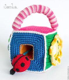 Tutorial para hacer un juguete interactivo para bebé en crochet, divertido, seguro y alucinante. Siempre buscamos cositas que puedan servirnos para hacer felices a los ...