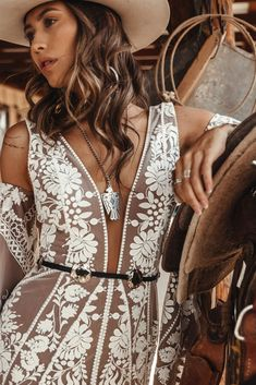 Meet Rue de Seine's 'Jackson:' Rue brides and loyalists will love the signature touch of floral lace embroidery on nude mesh lining. The Jackson wedding dress is form-fitted to the low hip and has deep v-neckline, sheer mesh side panels and a deep v back. Tailored Wedding Dress, How To Dress For A Wedding, Western Wedding Dresses, Bohemian Wedding Dresses, Wild West, Bridal Gowns, Wedding Gowns, Backless Wedding, Wedding Ceremony