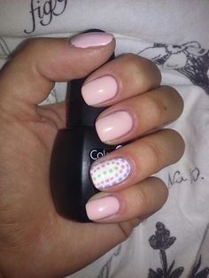 My new nails. Babypink & some dots.