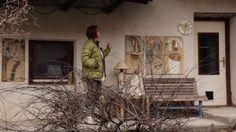 Múzy často přicházejí, když potřebujete odejít od své minulosti. Pak nám do cesty vstupují věci a místa, která bychom nikdy nečekali. A stejný osud potkal i keramičku Zuzanu Strakovou. Pojďte s námi na návštěvu do krásného kamenného domu v Moravském Krasu s velikým ateliérem... (http://www.fler.cz/zu-strakova)