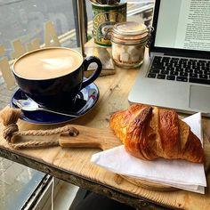 Coffee time . . . . . . #coffee #latte #coffeetime #croissant #croissantlover #vanillalatte #café #cafe #coffeemug #coffeecup #bigmug #mug #sugarcubes #goldensyrup #laptop #macbook #macbookpro #apple #coffeeandapple #appleandcoffee #sundayafternoon #Sunday #chill # # @artisancoffeehouse Croissant, Macbook Pro, Chill, Biscuit Bread, Coffeecup, Coffee Girl, Breakfast Cake, Coffee Latte, Chocolate Cookies