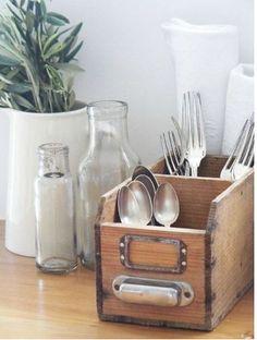 vintage cutlery holder