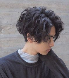 Tomboy Haircut, Short Hair Tomboy, Short Grunge Hair, Androgynous Haircut, Tomboy Hairstyles, Undercut Hairstyles, Girl Short Hair, Short Hair Cuts, Messy Hair Boy