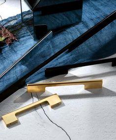 Featured Products – Pomelli Designs Kitchen Cabinets Handles And Knobs, Cabinet Handles, Cabinet Hardware, Door Handles, Shaker Style Kitchens, Pomellato, Door Knobs, Contemporary, Design