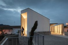 Mortuary House Vila Caiz | Graça Vaz & Raul Cardoso on Architecture Served