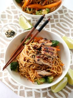 Chicken Peanut Noodles is the comfort meal you can make in your home any night of the week. You can eat these cold or hot and leftovers are always the best! Ramen Recipes, Noodle Recipes, Healthy Chicken Recipes, Asian Recipes, Healthy Snacks, Ethnic Recipes, Shrimp Recipes, Recipes Dinner, Peanut Noodles