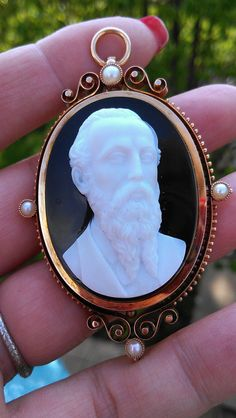 Antique 14K Gold  Hard Stone Cameo Pendant Brooch 36 Grams